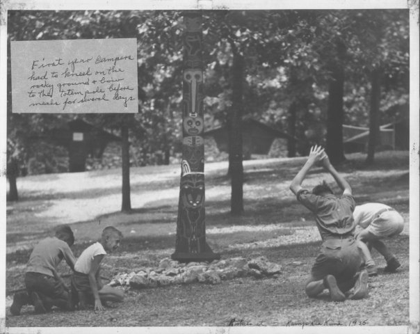 http://www.kiakimamuseum.org/plugins/Dropbox/files/1935 Fred Carney Totem Pole.jpg